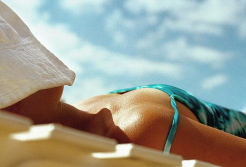 Hơn 90% các trường hợp ung thư da được gây ra bởi các tia cực tím của mặt trời. Ảnh minh họa: webmd