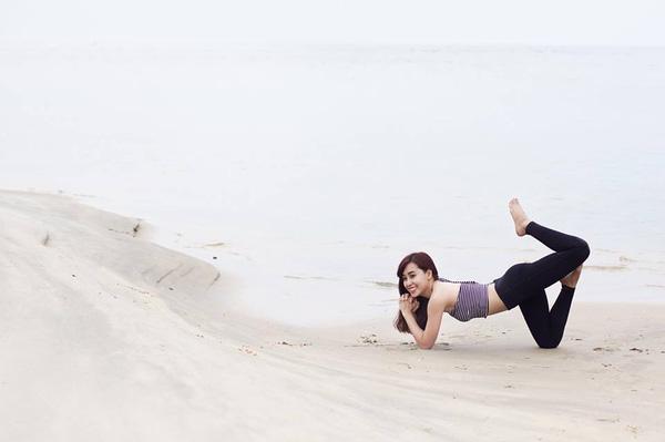 co gai truyen cam hung tap yoga qua nhung chuyen du lich chia se cach tap luyen 12