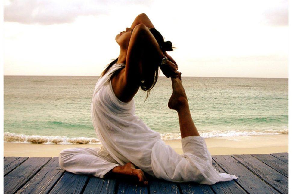 Giảm tác dụng phụ khi hóa trị với yoga