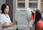 Giải pháp nào an toàn cho người có tật khúc xạ?
