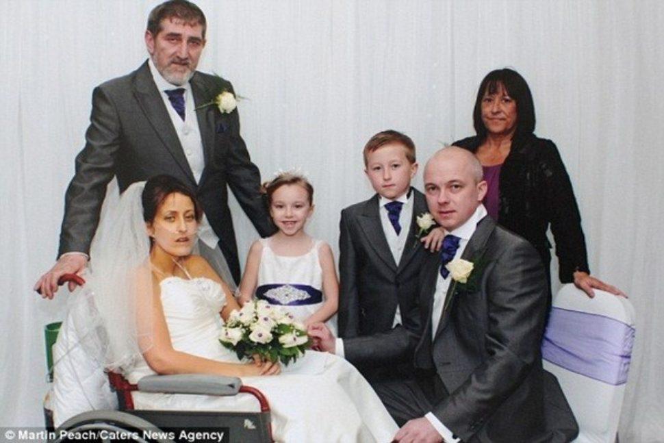 Lễ cưới xúc động của cô gái mắc bệnh ung thư giai đoạn cuối
